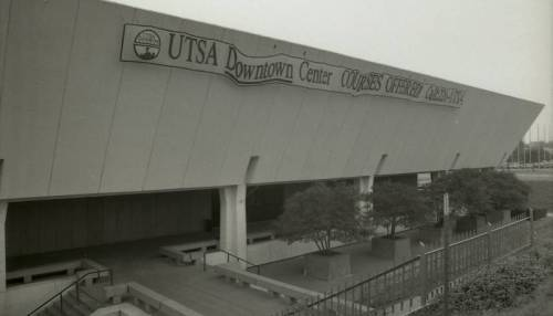 The Institute of Texan Cultures advertising UTSA course offerings, 1992