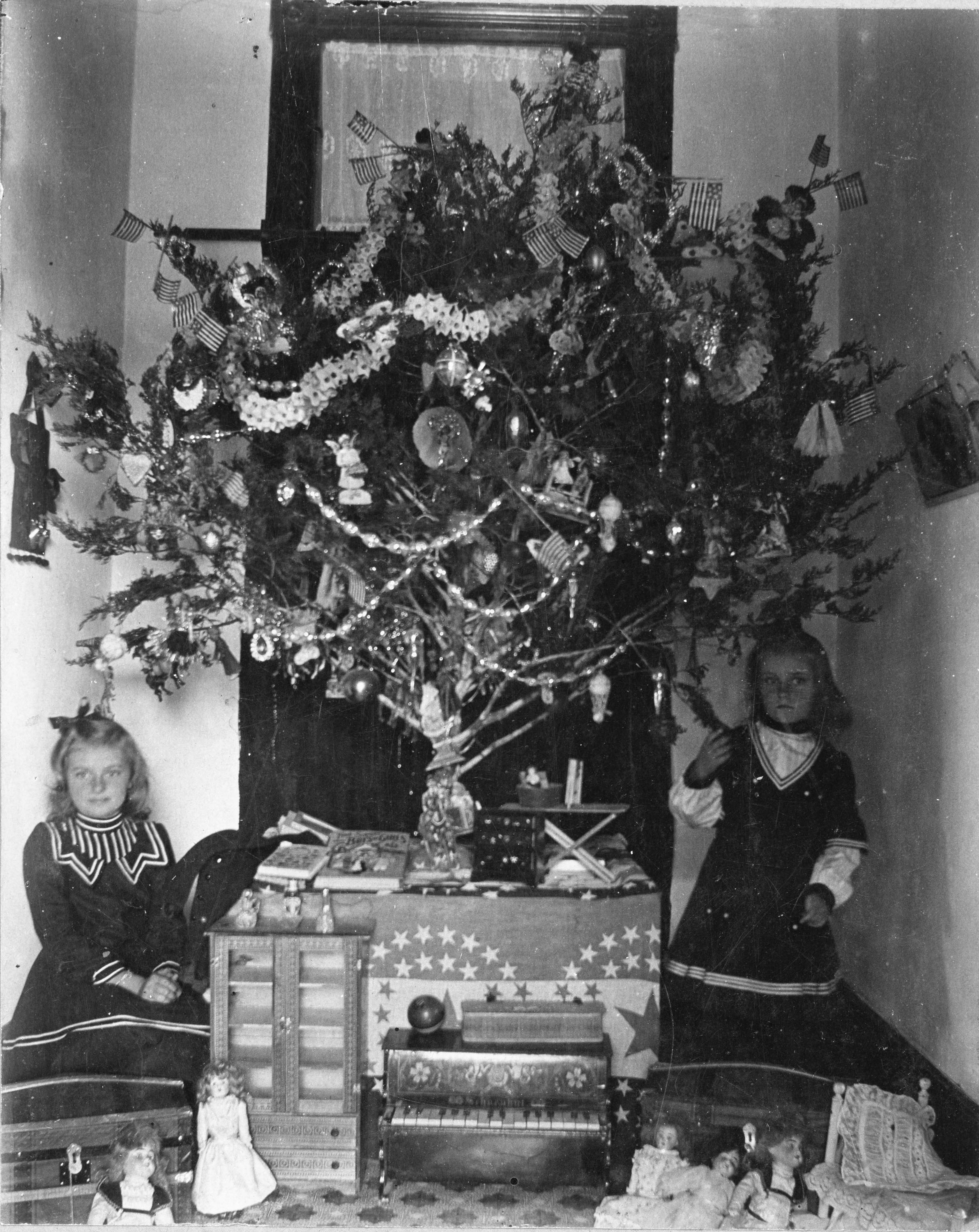 Olden Days Christmas Tree Decorations