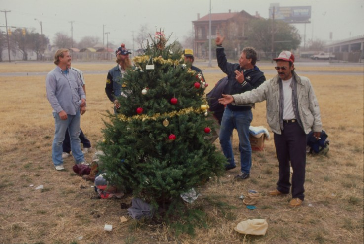 Christmas tree for the homeless on Nolan Street at US 281, 1990.  (MS 359:  L-7308-26)