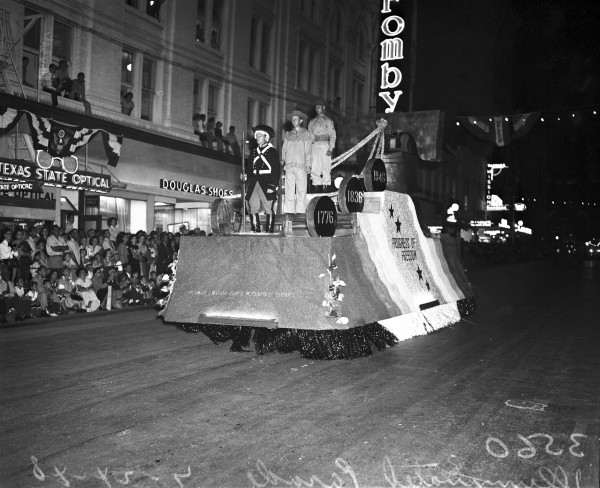 Army and Air Force recruiting offices float with costumed soldiers representing the fighting men of 1776, 1836, and 1948.  (MS 359:  L-3560-C-6)
