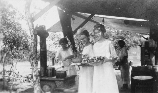 San Antonio residents make doughnuts in camp on ranch near Waring, 1914.  (MS 362:  081-0237)