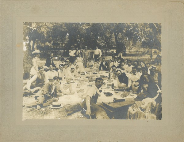 Family picnic July 11, 1899