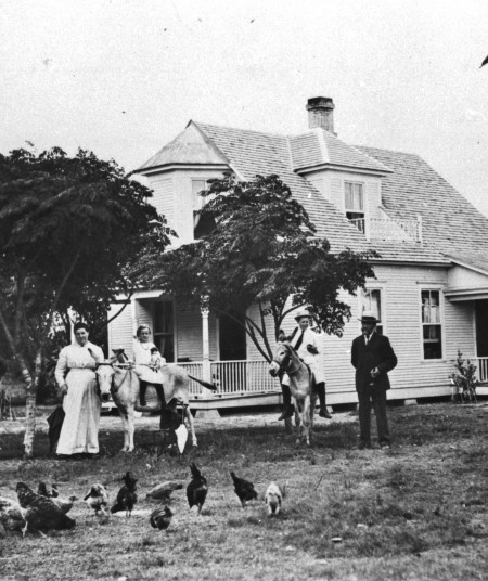 --Carl and Jennie Jensen farmhouse at the Danish community of Danevang, Wharton County, circa 1912.  (MS 362: 072-0725)