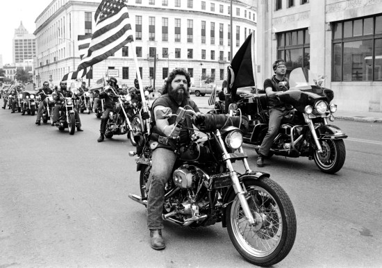 Vietnam veterans in 1985 parade.   (MS 360:  E-1985-11-11-3)