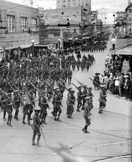 Armistice Day Parade turns off Commerce Street to Alamo Street, 1924. (MS 359: L-0018-I)