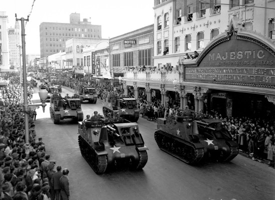 Tanks on Houston Street, Armistice Day, 1946  (MS 359:  L-3312-E)