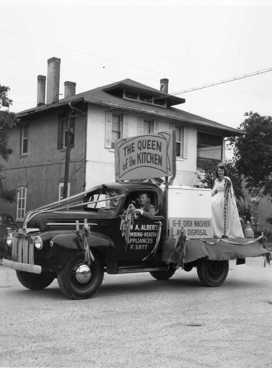 John A. Albert Plumbing Company float in the last Fiesta Trades Display Parade, Wednesday, April 20, 1949.  (Zintgraff Studio Collection, MS 355: Z-0686-1)