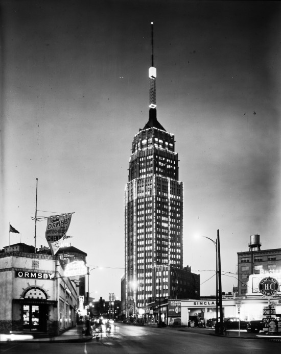Transit Tower (now Tower Life Building), from the corner of St. Mary's and Nueva Streets, circa 1948. (Zintgraff Studio Photograph Collection, MS 355: 0364-A-07)