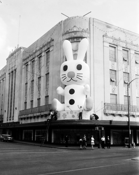Air-supported Easter rabbit, by local designers, at the Joske's Store on Alamo Plaza, 1962. (MS 355: Z-0750-B-03)